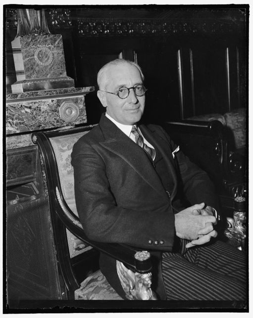 Monetary adviser to Brazilian Foreign Minister. Washington, D.C., Feb. 13. Marcos De Souza, prominent in Brazilian banking circles, accompanied Brazilian Foreign Minister Oswaldo Aranha to this country for a series of conferences with Secretary of the Treasury Henry Morgenthau and other high government officials, 2-13- 39