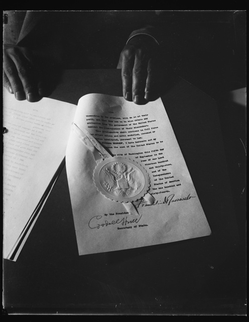 NEUTRALITY PROCLAMATION. WASHINGTON, D.C. SEPTEMBER 5. THE LAST PAGE OF THE NEWTRALITY PROCLAMATION ISSUED BY PRESIDENT ROOSEVELT TODAY SHOWING THE SIGNATURES OF THE CHIEF EXECUTIVE AND SECRETARY OF STATE HULL ON THE FINISHED DOCUMENT