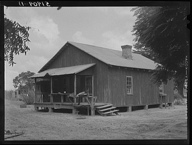 Old house of Frederick Oliver and family, tenant purchase clients. Summerton, South Carolina
