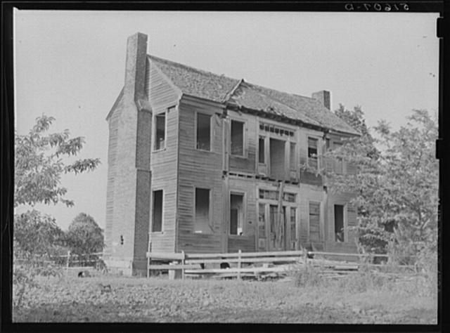 Old plantation home near Monticello, South Carolina