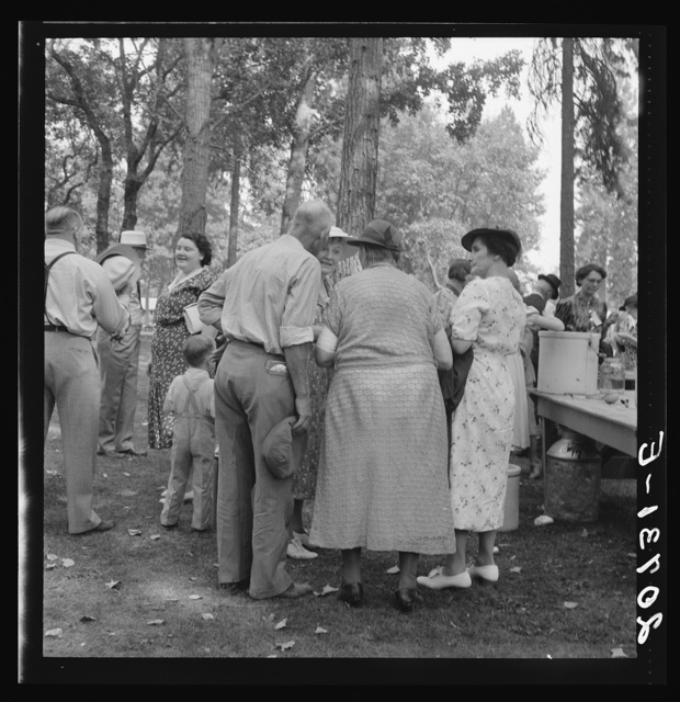 """Oregon, Josephine County, Grants Pass. """"California Day"""" picnic. Get together after the speeches are over"""
