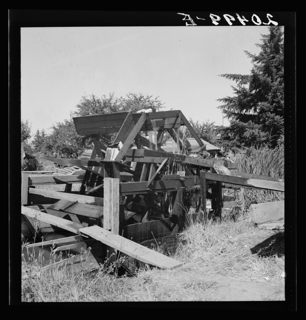 Oregon, Marion County, north of West Stayton. Waterwheel for field irrigation in the bean country