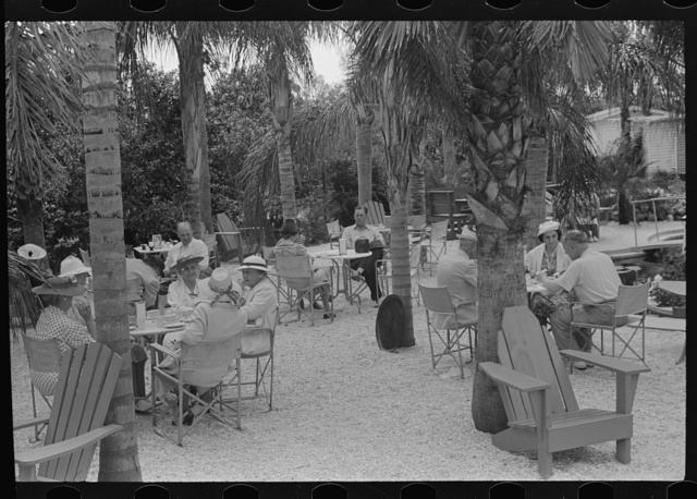 Outdoor refreshments for tourists near Tampa, Florida