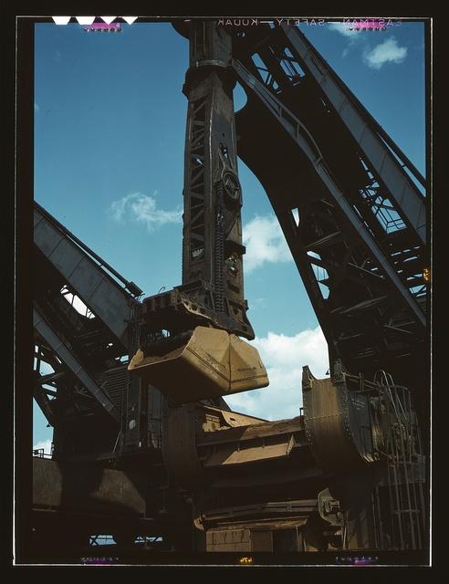 "Pennsylvania R.R. ore docks, a ""Hulett"" ore unloader in operation, Cleveland, Ohio"