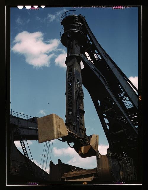 "Pennsylvania R.R. ore docks, a ""Hulett"" unloader in operation, Cleveland, Ohio"