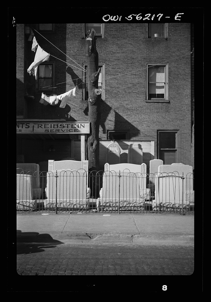 Philadelphia, Pennsylvania. Grave stone sculptor and dealer on Pine Street