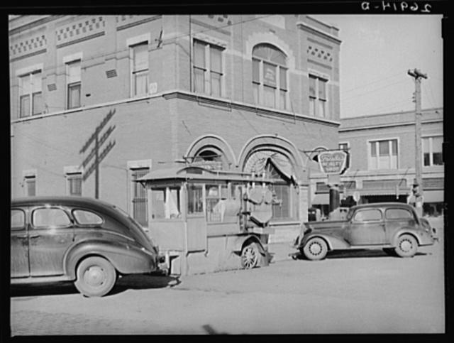 Popcorn stand. Main street of Herrin, Illinois