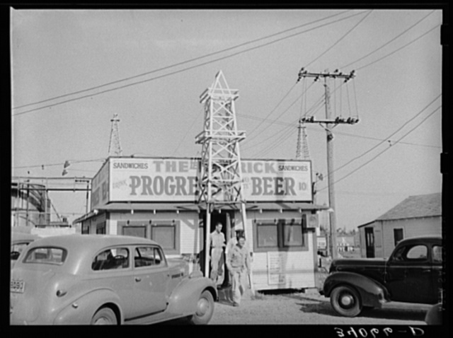 "Roadside stand ""The Derrick."" Oklahoma City oil field, Oklahoma"