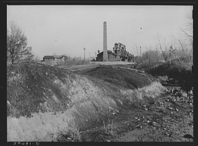 Ruins of O'Gara Coal Company mine at Carrier Mills. Saline County, Illinois (see 26984-D)