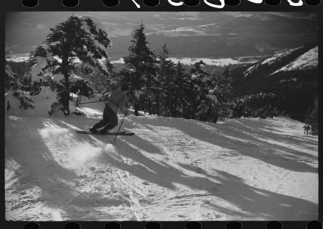 Skiing down the Taft Trail on Cannon Mountain, Franconia Notch, New Hampshire