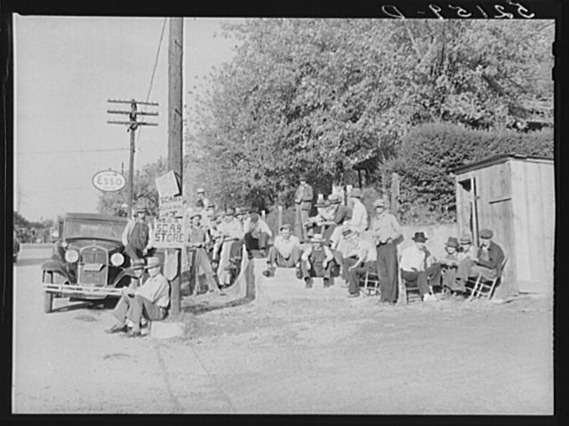 Striking copper miners picketing company store while waiting for scabs to come from day shift. Ducktown, Tennessee