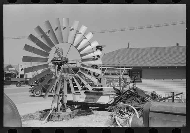 Windmill propellers, Dumas, Texas