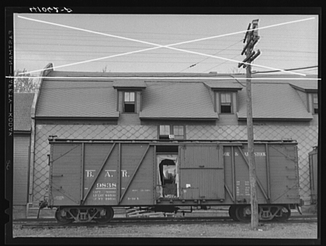 A car of the Bangor and Aroostook Railroad at one of the potato storehouses in Caribou, Maine