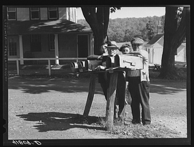 A group of Jewish farmers waiting for their mail in the Huntington District, Newtown, Connecticut. Fifteen Jewish farm families live in this district