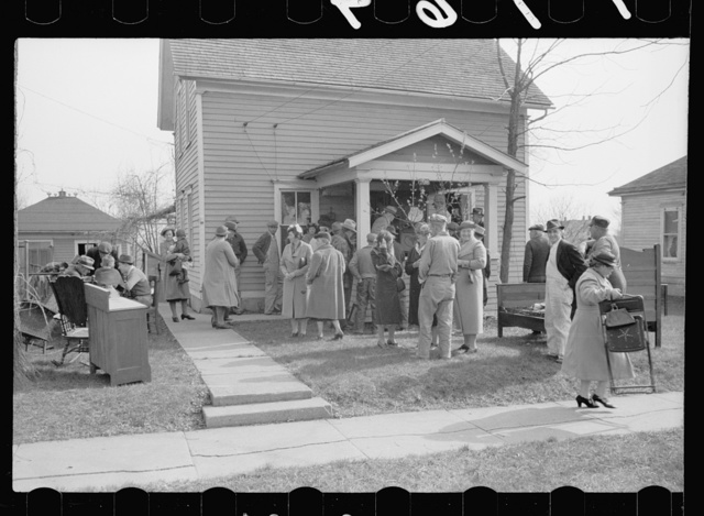 Auction of household goods, Grundy Center, Iowa