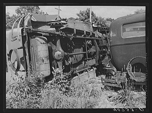 Auto graveyard, used parts along U.S. Highway No. 1 near Sulphur Springs, Maryland