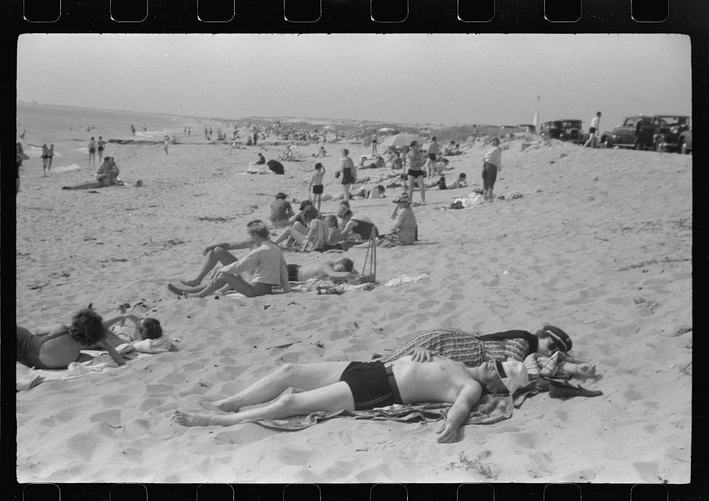 beach scene at new beach the most popular beach near provincetown regular bus 3 1024jpg httpspicrylcommediatravels in north america during the years
