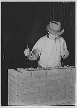 Brick Manufacturers Association. Bricklaying setup I
