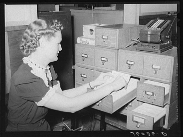Card index system of the United Producers and Consumers Cooperative. Phoenix, Arizona. This cooperative has over 12,000 members, the majority of whom are farmers