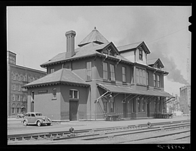 C.M. and St. P.R.R. station. Dubuque, Iowa