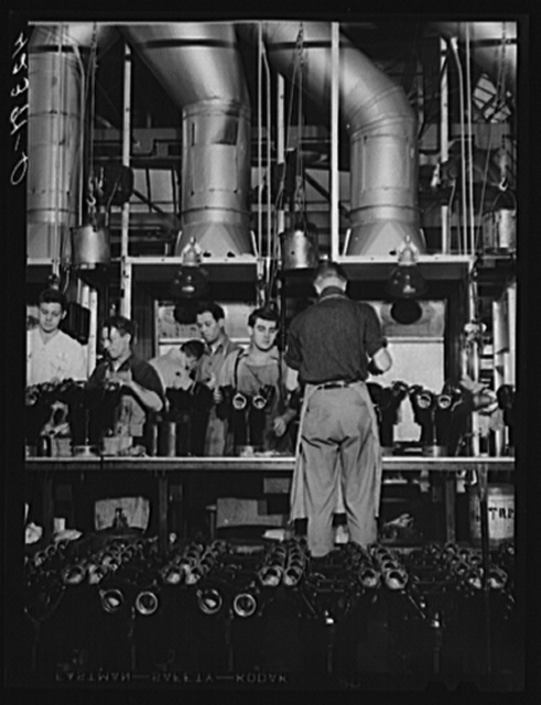 Cylinders for Pratt and Whitney engines being painted. East Hartford, Connecticut