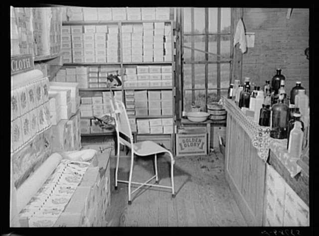 Doctor's office in rear of country store. Faulkner County, Arkansas
