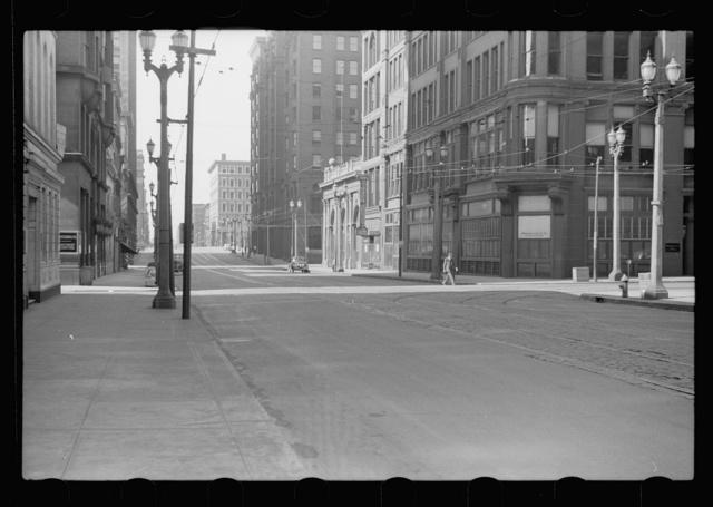 Downtown street on Sunday morning, St. Louis, Missouri
