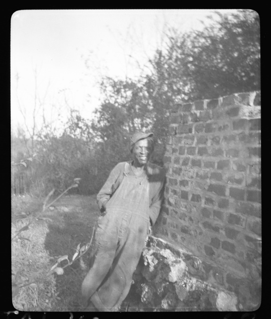[Enoch Brown at the home of Mrs. Ruby Pickens Tartt, Livingston, Alabama]