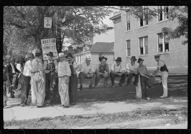 Farmers hanging around courthouse on court day during lunch hour. Campton, Kentucky