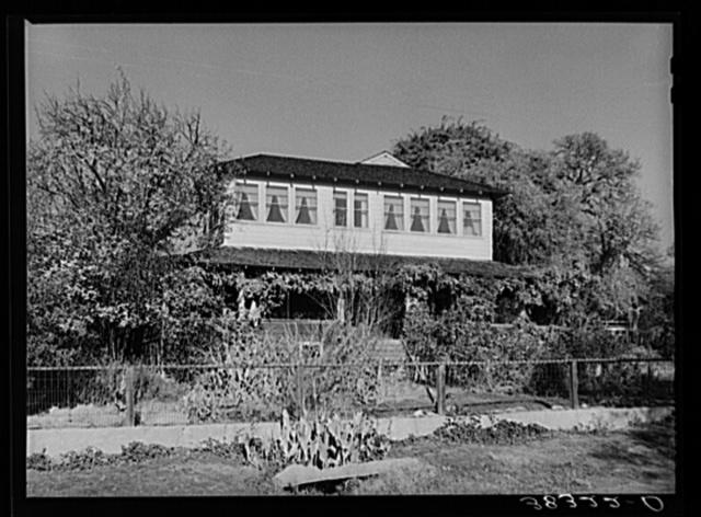 Farmhouse of fruit farmer near Auburn, California