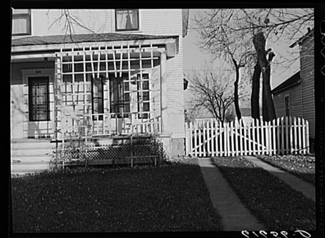 Front porch. Aberdeen, South Dakota