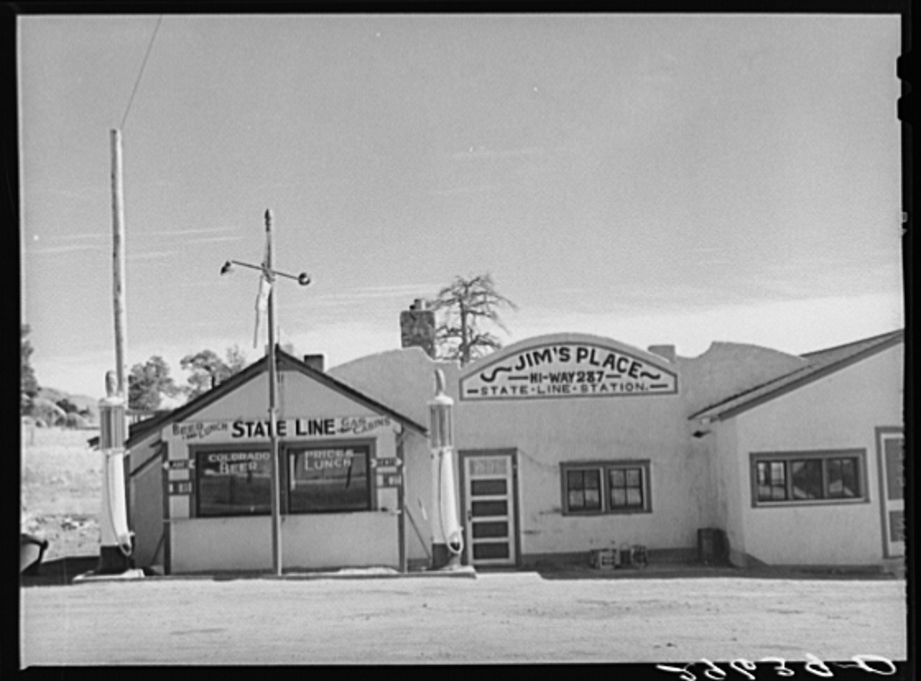 Gas station on Colorado--Wyoming state line