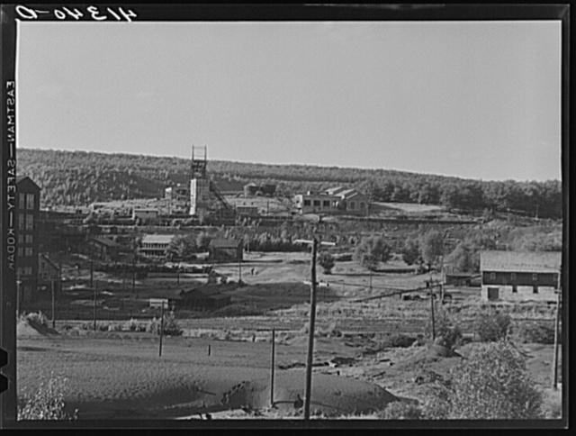 Giant breaker of Lehigh Navigation Coal Company at Lansford, Pennsylvania