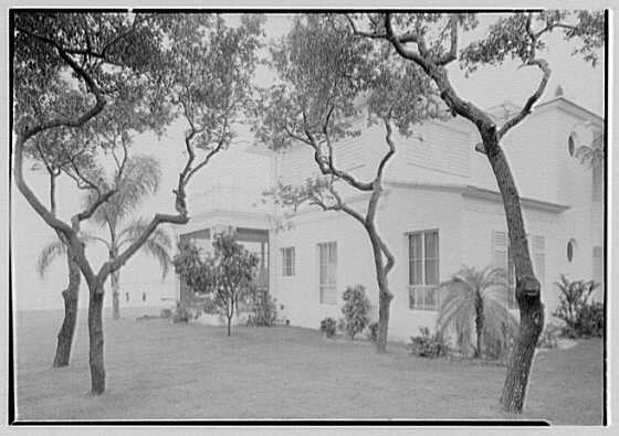 Harry R. Playford, residence at 415 Brightwaters Blvd., St. Petersburg, Florida. East end of porch