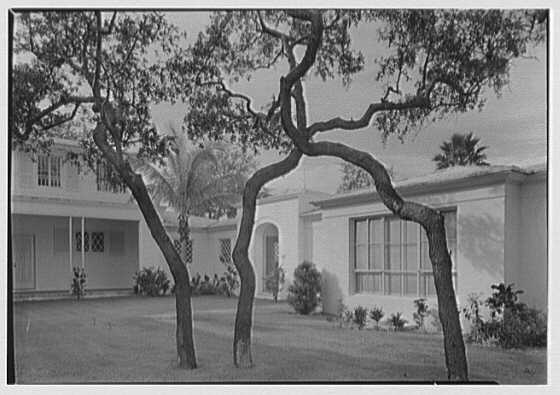 Harry R. Playford, residence at 415 Brightwaters Blvd., St. Petersburg, Florida. Entrance wing from patio