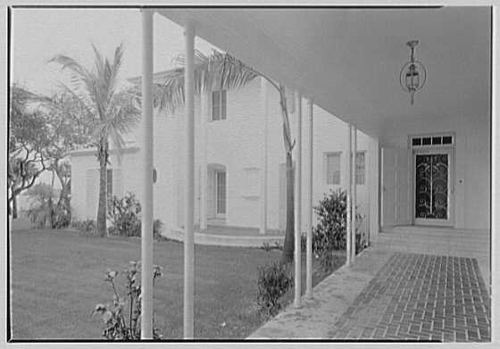 Harry R. Playford, residence at 415 Brightwaters Blvd., St. Petersburg, Florida. Loggia, to portico