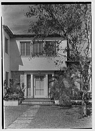 H.T. Morgan, residence at 31 LaGorce Cir., Miami Beach, Florida. Entrance detail, vertical