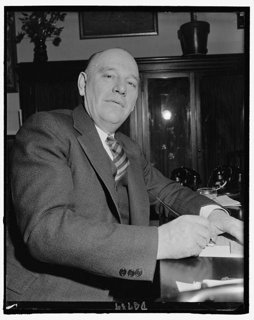Informal photo of Sen. Ernest Lundeen, Farmer-Labor, from Minn., April 1940