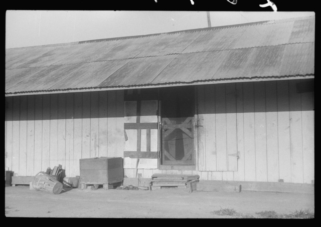 Living quarters for migratory agricultural workers at Webster Canning Company, Cheriton, Virginia