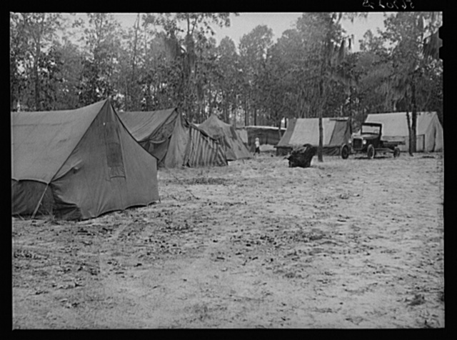 Living quarters of construction workers near Camp Blanding, Florida