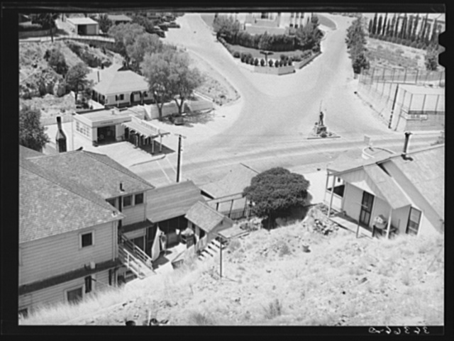Looking down on the miners' monument at Bisbee, Arizona. Inhabitants brag that this is the largest town which has no house-to-house mail delivery, the post office department considering the streets too precipitous to make delivery