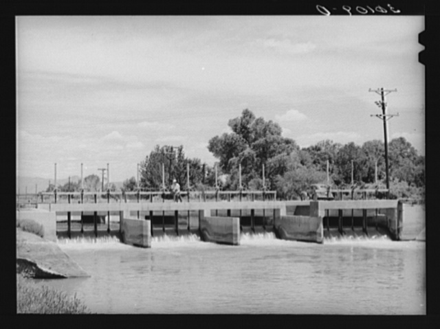 Main irrigation canal and gates. Maricopa County, Arizona