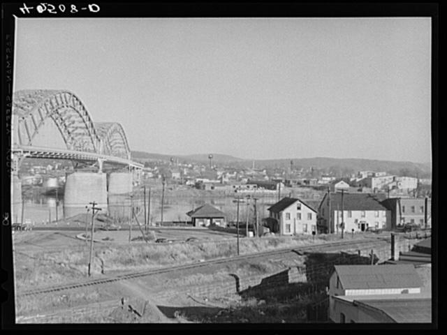 Middletown, Connecticut, with a bridge across the Connecticut River