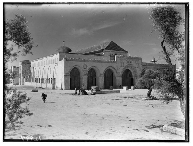 Mosque el-Aksa [i.e., al-Aqsa]