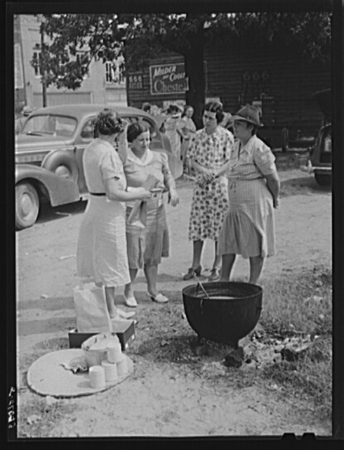 Parent Teachers Association of Prospect Hill, Caswell County, serving and selling Brunswick stew dinner in Mebane, North Carolina, on opening day of tobacco market to raise money for a new gymnasium for the Prospect Hill consolidated school in Caswell County
