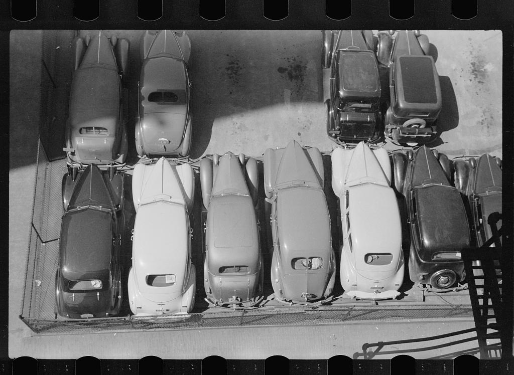 Parked cars, Des Moines, Iowa