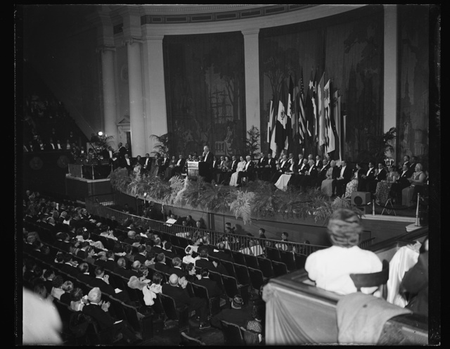 PRESIDENT ROOSEVELT ADDRESSES SCIENCE PARLEY. WASHINGTON, D.C. MAY 10. A GENERAL VIEW OF CONSTITUTION HALL TONIGHT AS PRESIDENT ROOSEVELT ADDRESSED MEMBERS OF THE EIGHTH AMERICAN SCIENTIFIC CONGRESS. DELEGATES FROM THE PAN AMERICAN NATIONS HEARD THE PRESIDENT'S COMMENTS ON THE GERMAN INVASION OF HOLLAND, BELGIUM, AND LUXEMBOURG