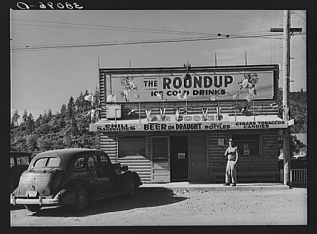 Restaurant and beer hall. Summit City, California, boom town near Shasta Dam