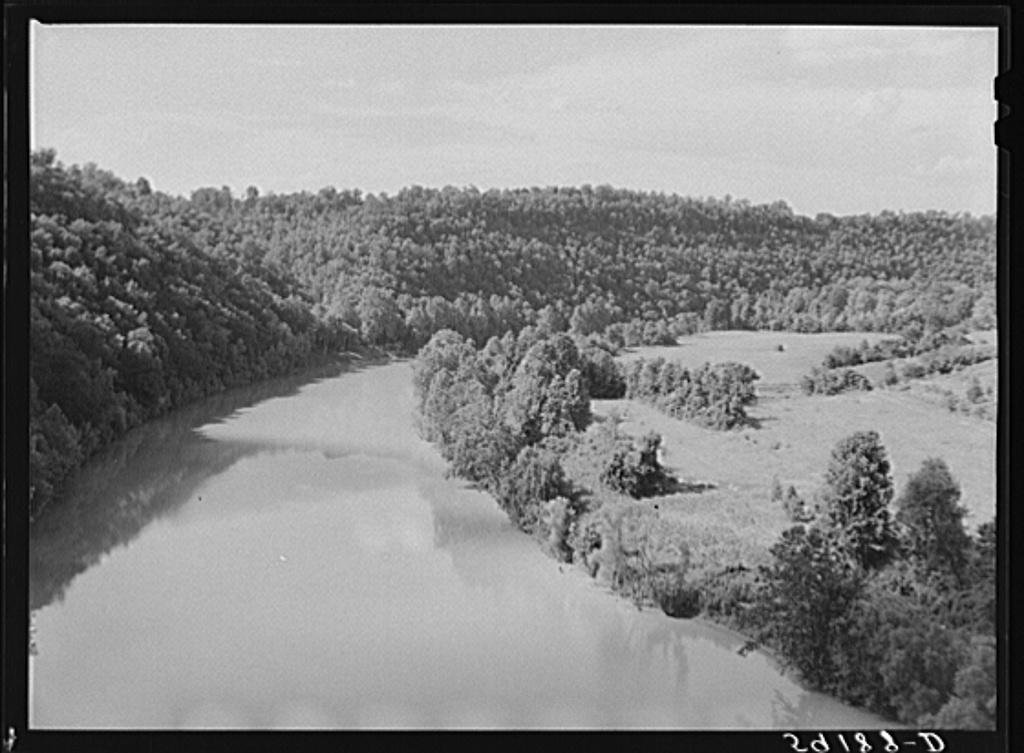 River near Harrodsburg, Kentucky - PICRYL Public Domain Image