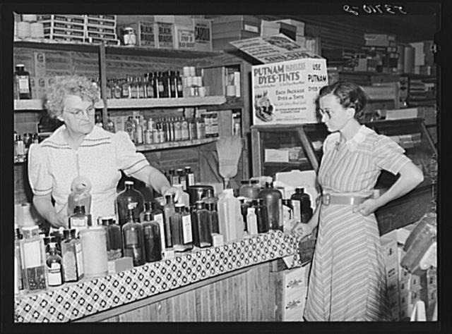 Selling drugs and medicines in doctor's office in rear of country store. Faulkner County, Arkansas